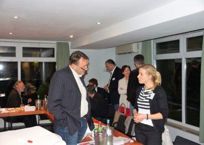 Präsident des LV Bayern Michael Munz im Austausch mit seiner Vizepräsidentin Aline Baader